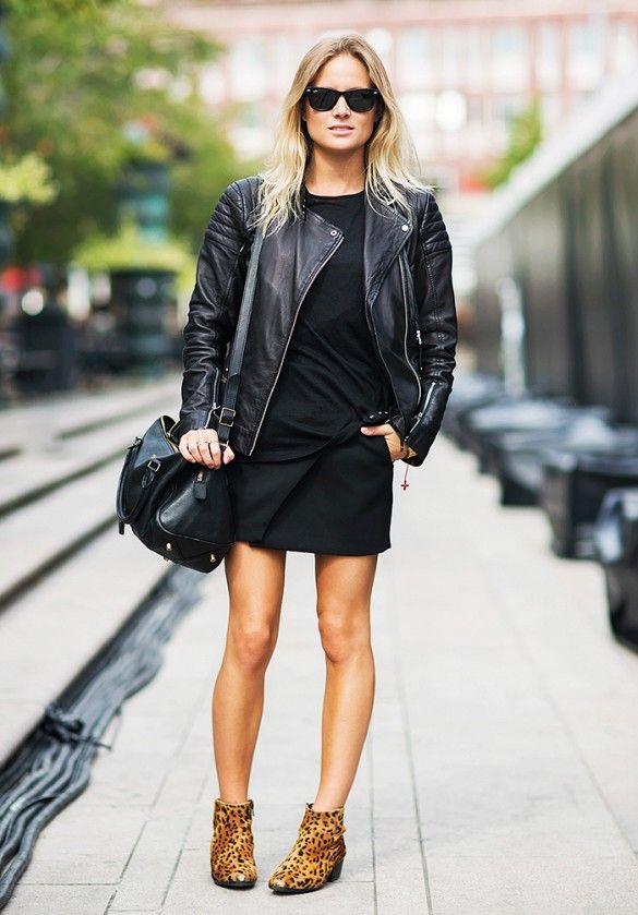 look de rua total black com sapato de onça