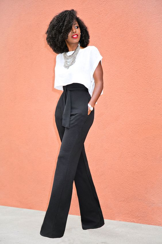 Calças Wide Legs preta e blusa branca