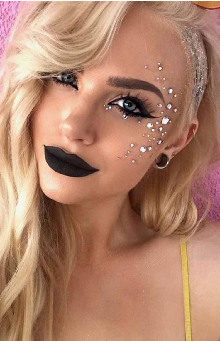 Maquiagem-para-Carnaval-2020-com-Pedrinhas
