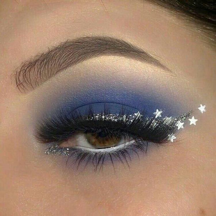 maquiagem-carnaval-facil-de-fazer-delineado-glitter-estrelas