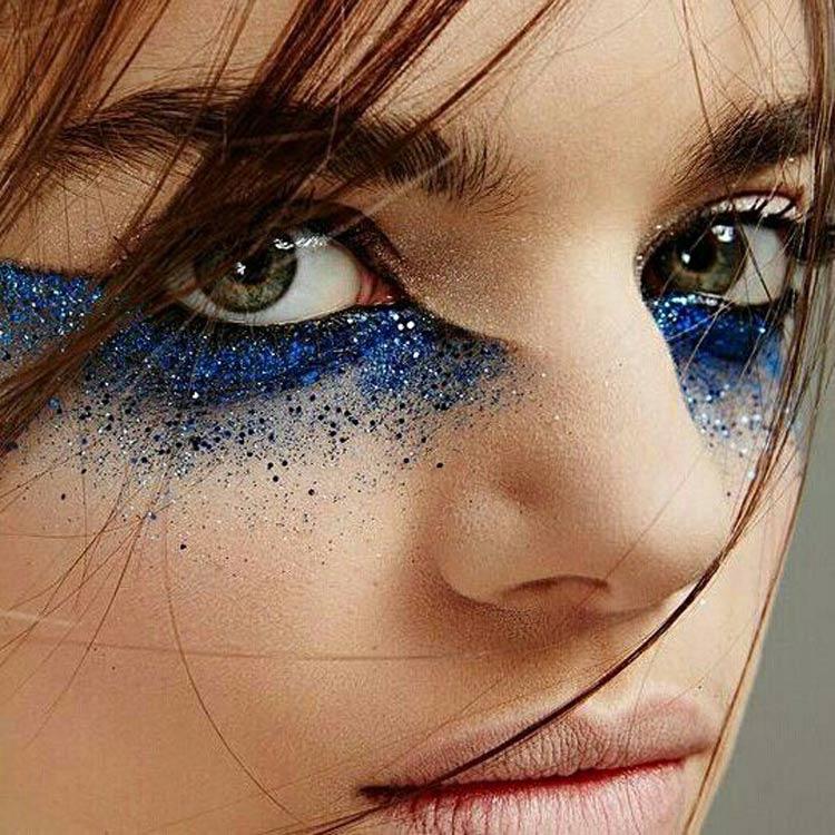 maquiagem-carnaval-glitter-azul