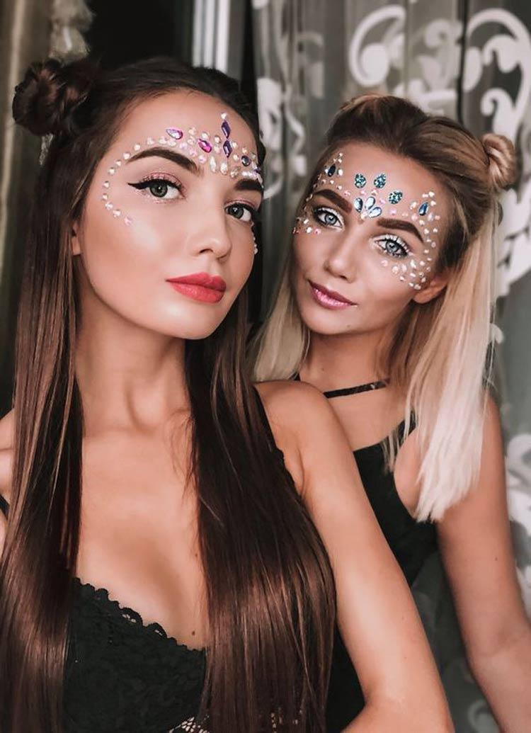 maquiagem-carnaval-pedrarias-no-rosto