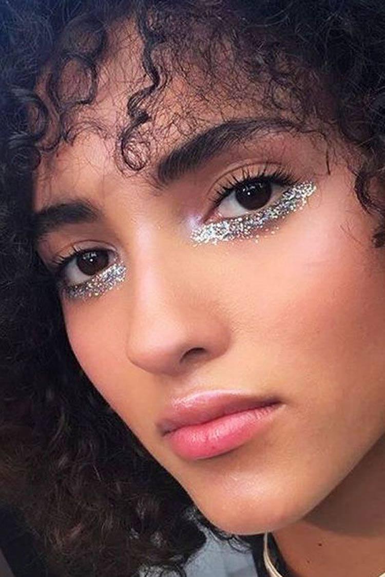 maquiagem-carnaval-simples-com-glitter