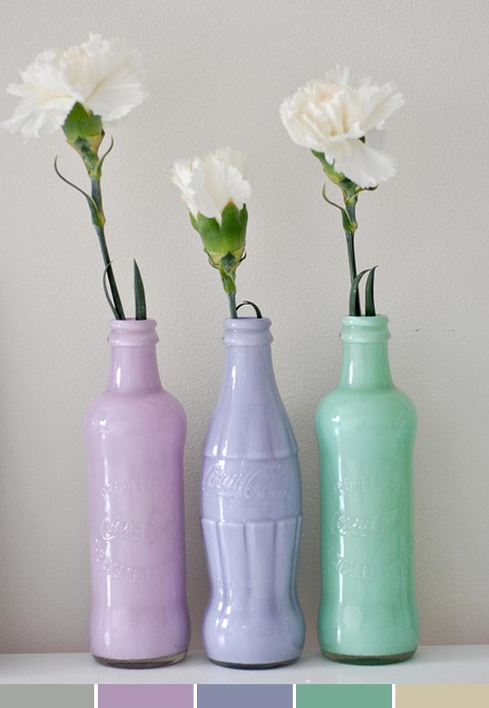 Decoração com garrafas de refrigerantes coloridos