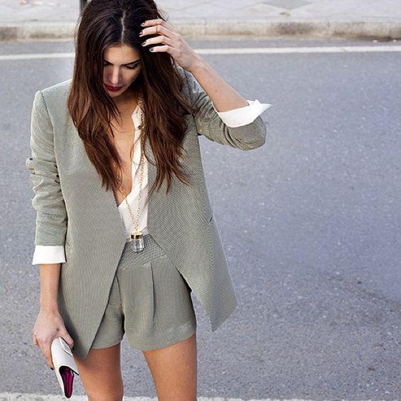 d399ddc833 Short Suit (blazer + short de alfaiataria) para Mulheres  Tendência  elegante e nada básica