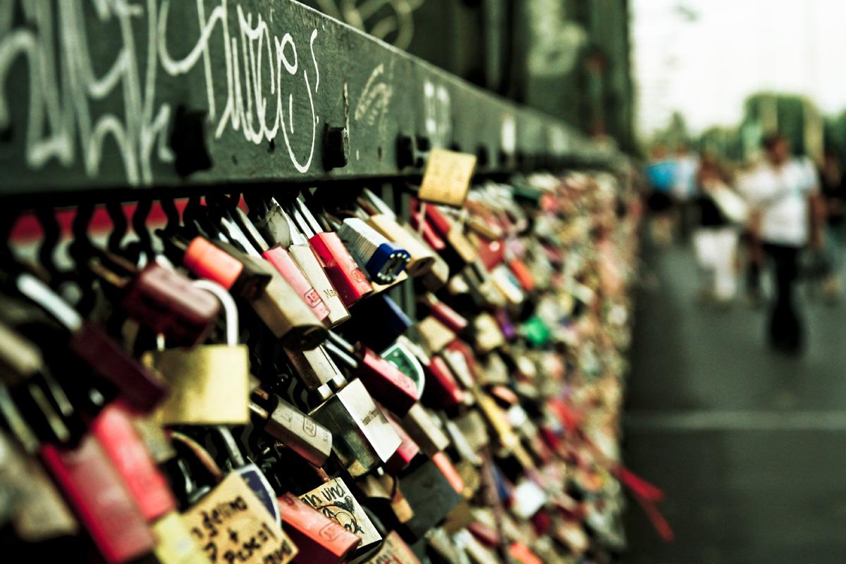 cadeados de amor pelo mundo - Dicas de moda e beleza por Deisi Remus