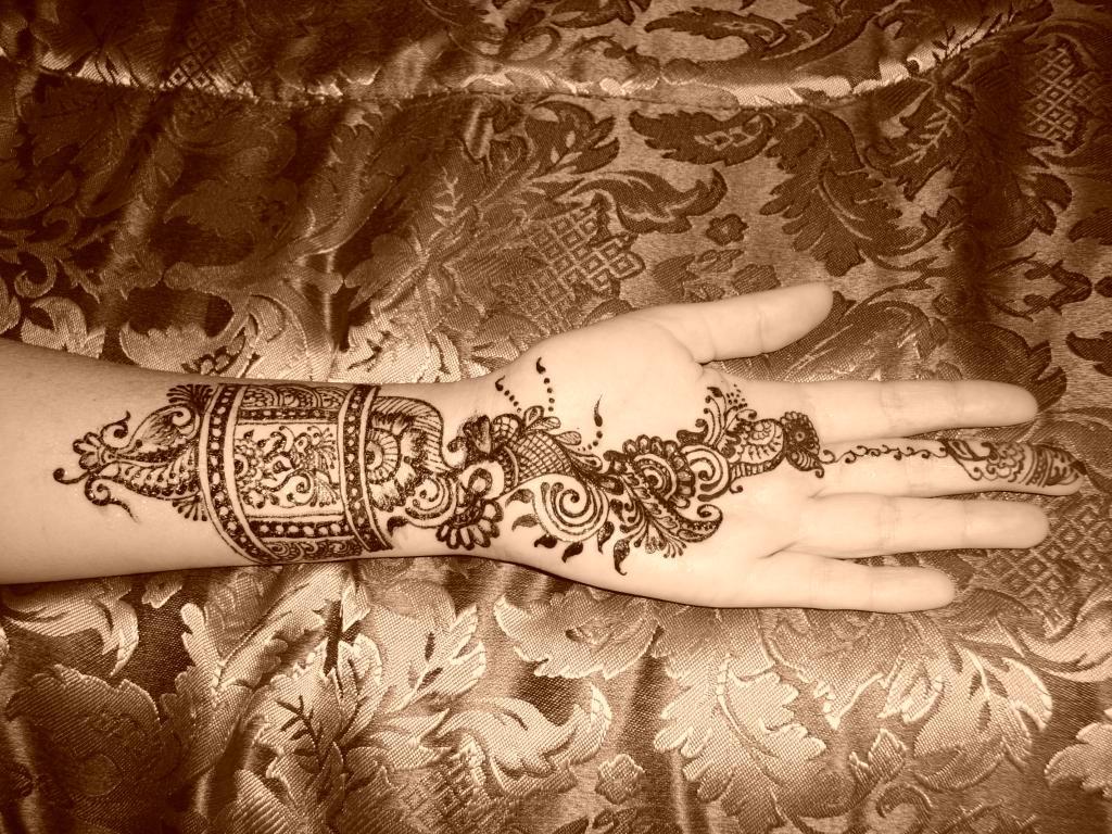 tatuagem-arabe-com-henna