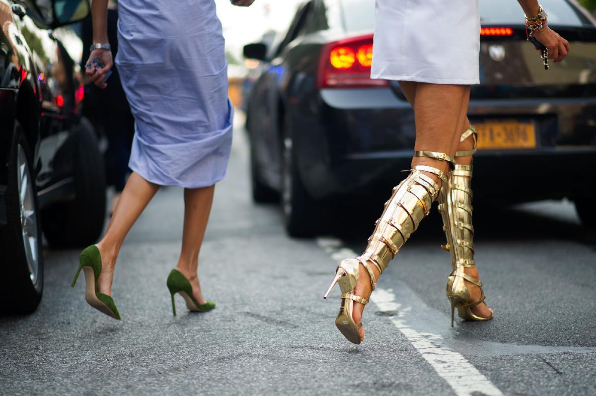 tendência de sandálias para usar no verão