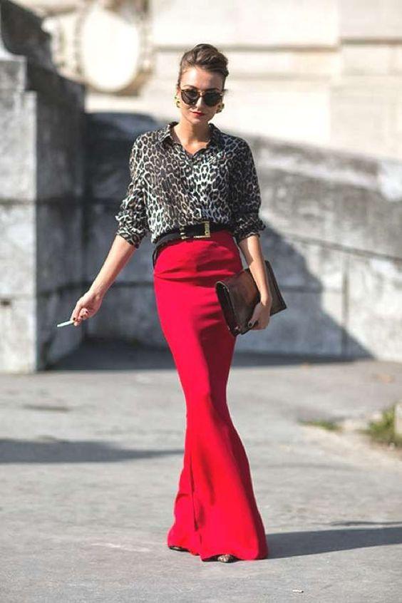 saia longa vermelha com camisa social de onça
