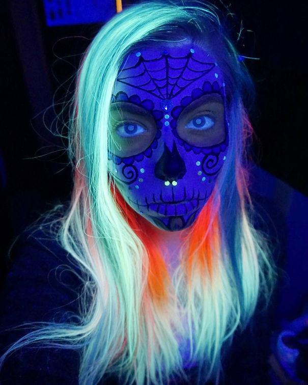 tintura para cabelos que brilham no escuro