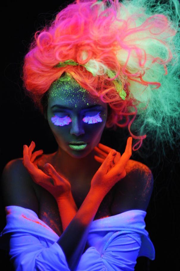 tituras coloridas para cabelos que brilham no escuro