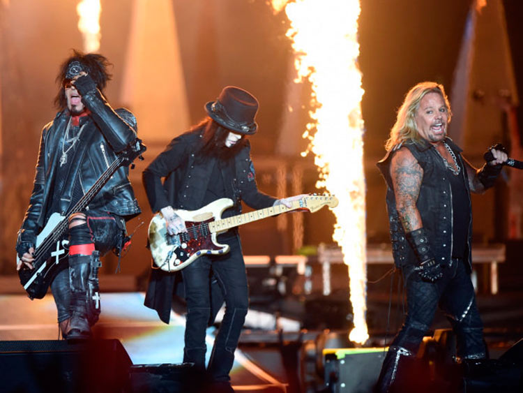 Mötley-Crüe-RockInRio2015