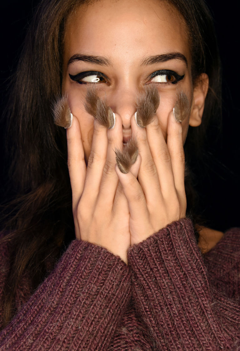unhas peludas furry nails