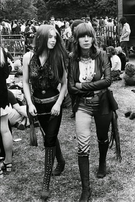 Girls-of-Woodstock-1969-45