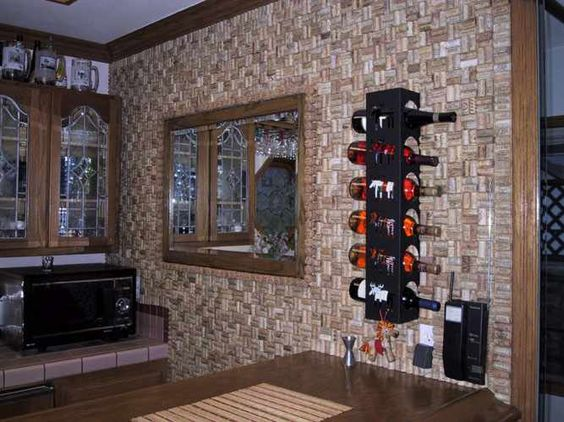 parede casa coberta de rolha de vinho