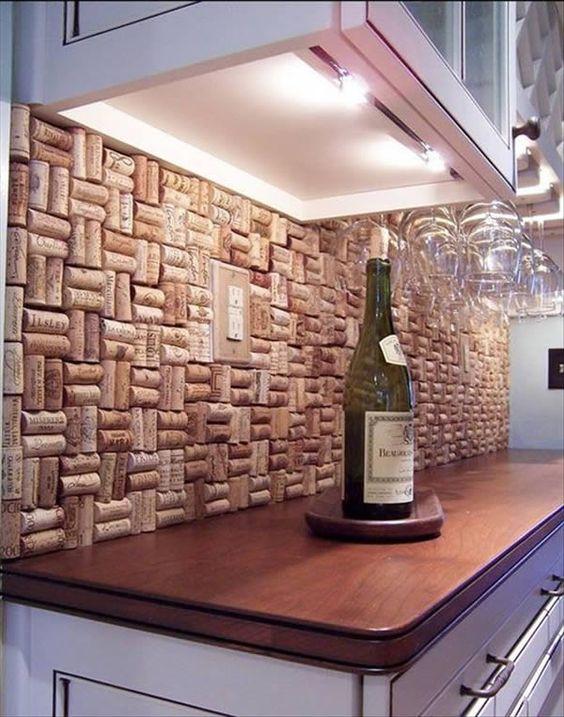 rolha de vinho na decoração balcão da cozinha