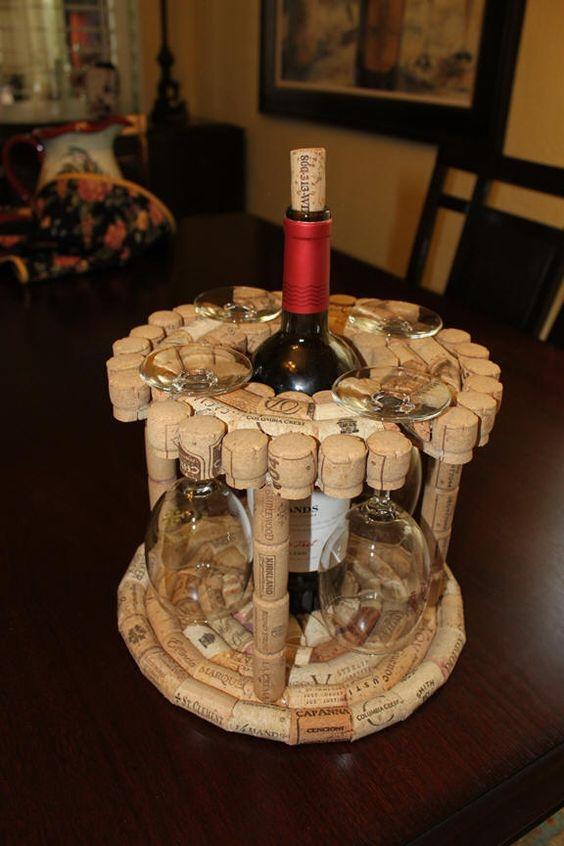 rolha de vinho na decoração porta taças de vinhos