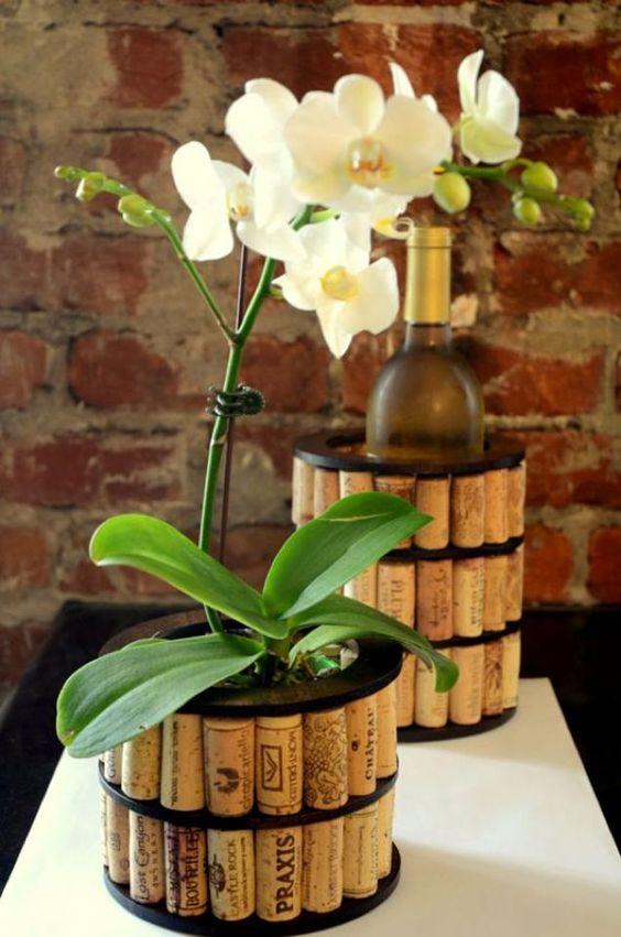 rolha de vinho na decoração vaso de flores
