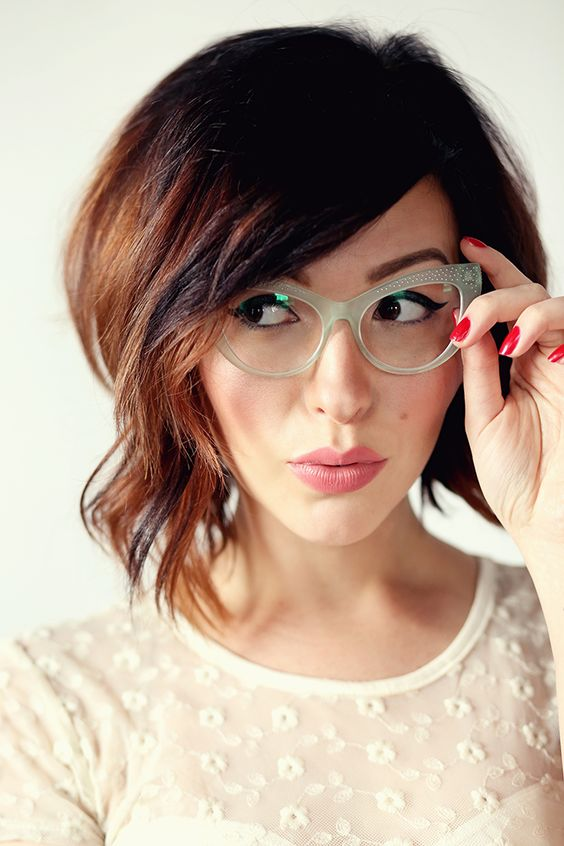 óculos com armações vintage