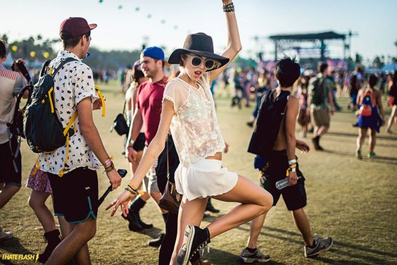 Looks para-tomorrowland