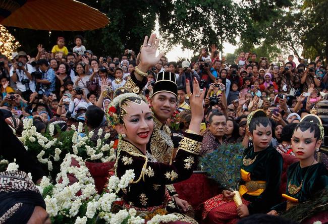vestido de noiva na Indonésia