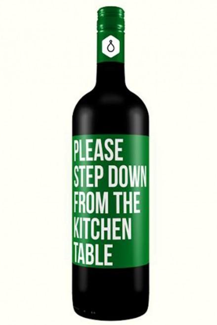Por favor, desça da mesa da cozinha