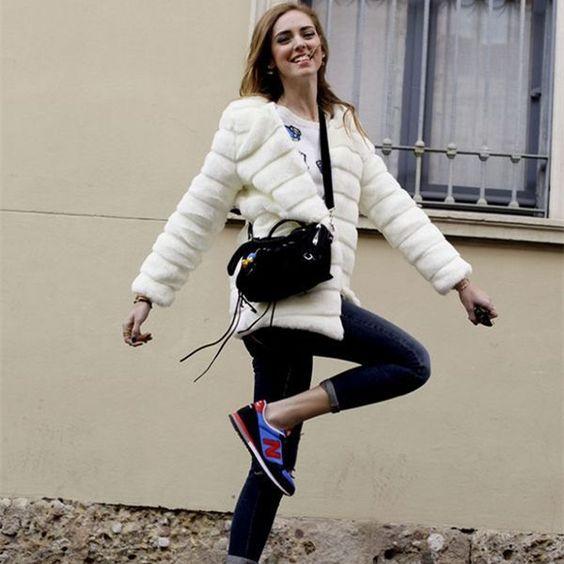 como usar casaco de pele com tênis