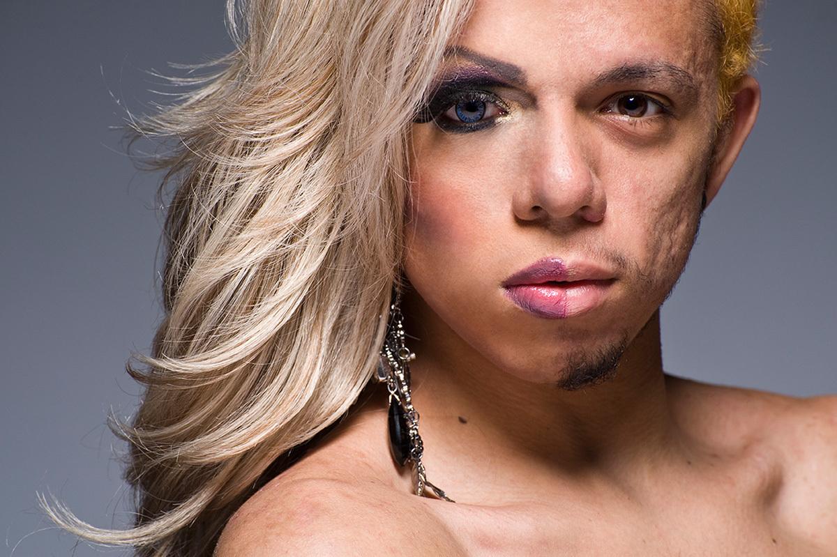 dicas e truques de maquiagem com as drag queens