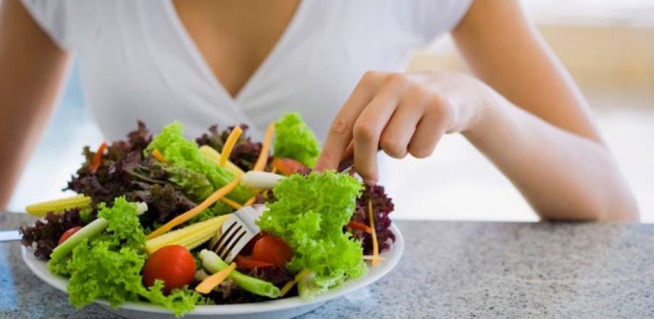 Como diminuir calorias na alimetação em 5 passos