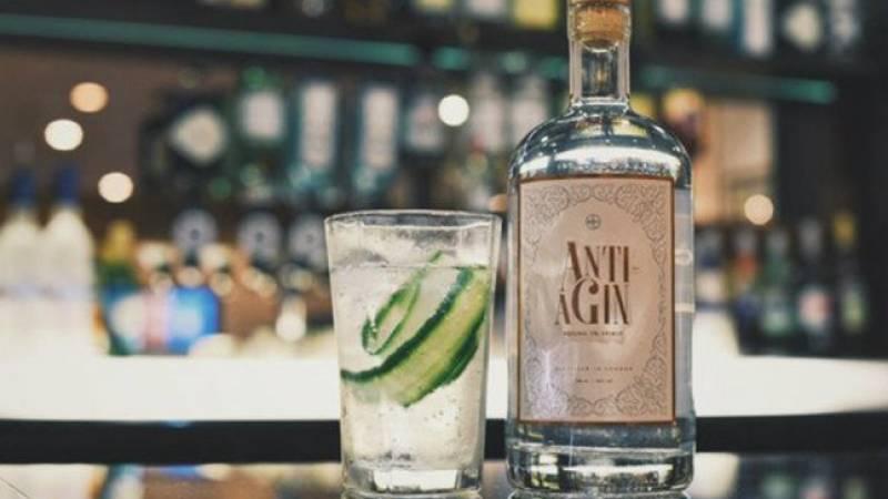 Conheça o primeiro Gin Anti Envelhecimento do mundo  Anti-aGin