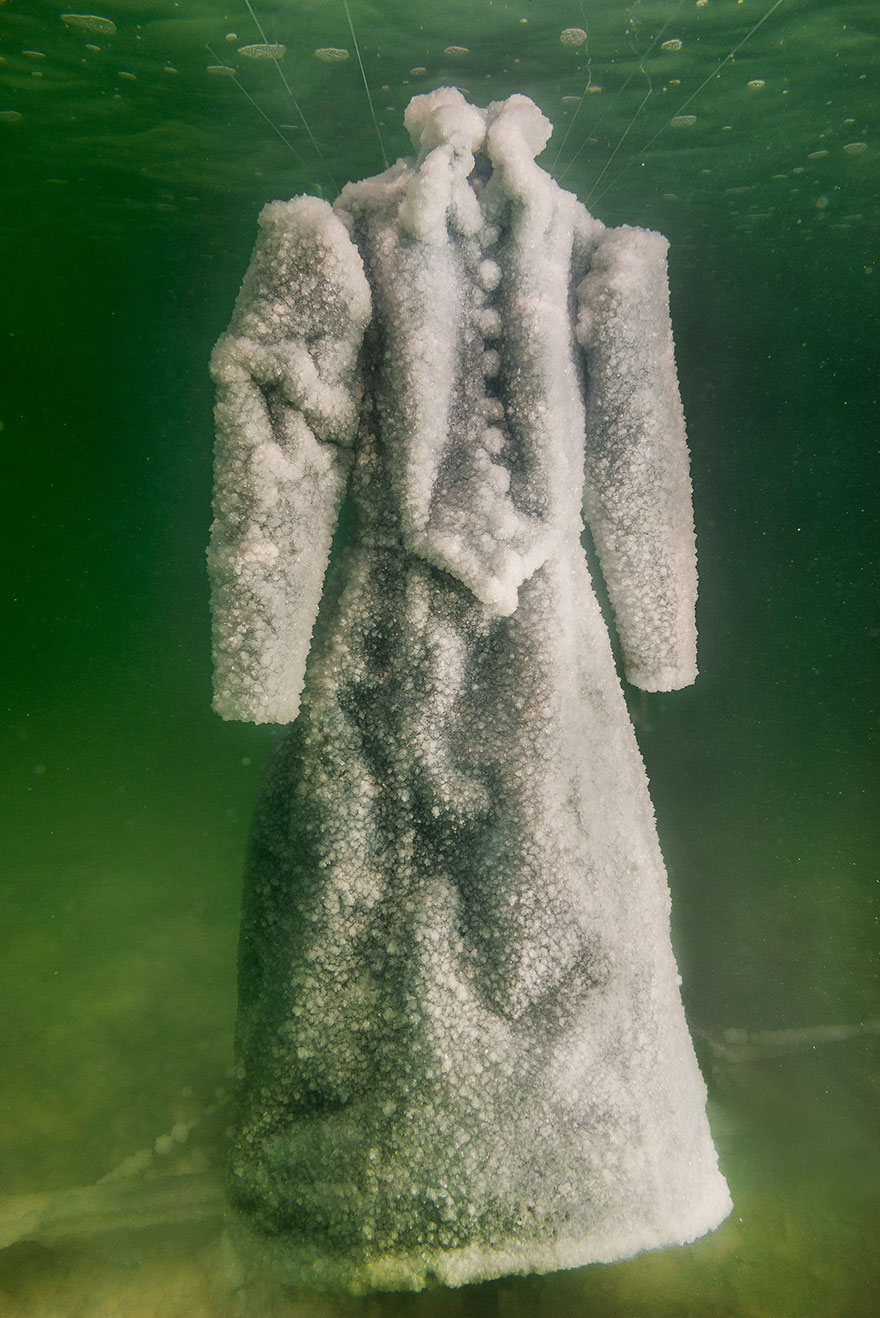 homem deixa vestido por 2 anos no mar morto 2