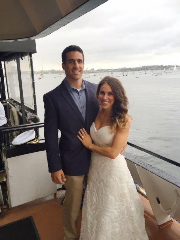 mulher-usa-seu-vestido-de-noiva-todo-ano-para-comemorar-o-casamento-1