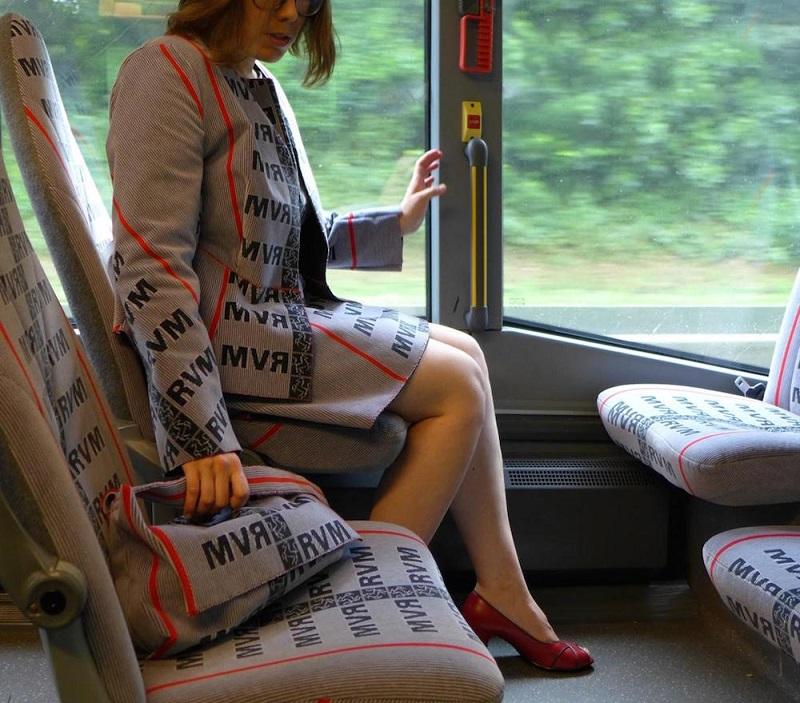 Os tecidos dos assentos viraram roupas nas mãos de Menja Stevenson 5