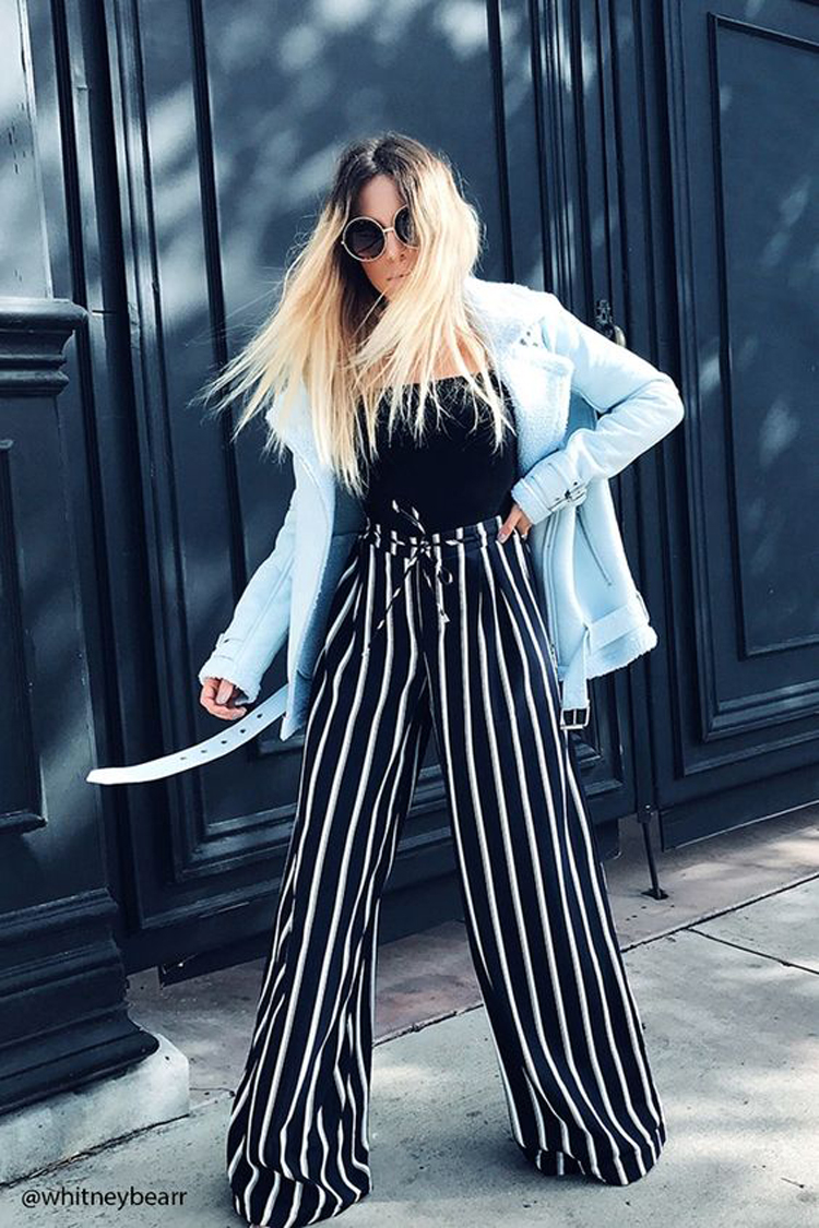 calça-palazzo-listrada,-regata-preta-e-jaqueta-jeans