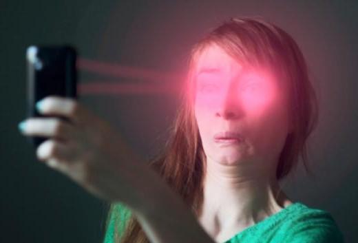 selfie-deixa-as-pessoas-mais-feias-e-chatas