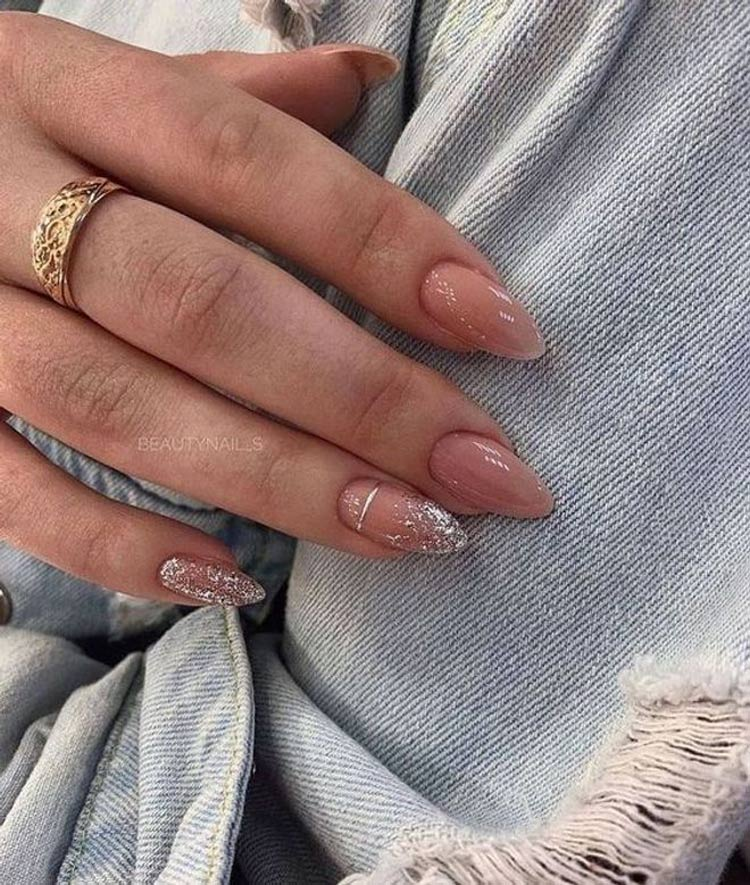 Unhas-estilo-glitter-e-decorações-glitter