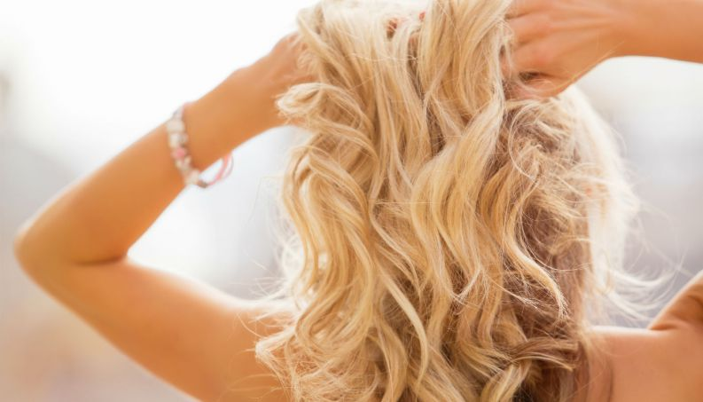 mulher-cabelo-loiro