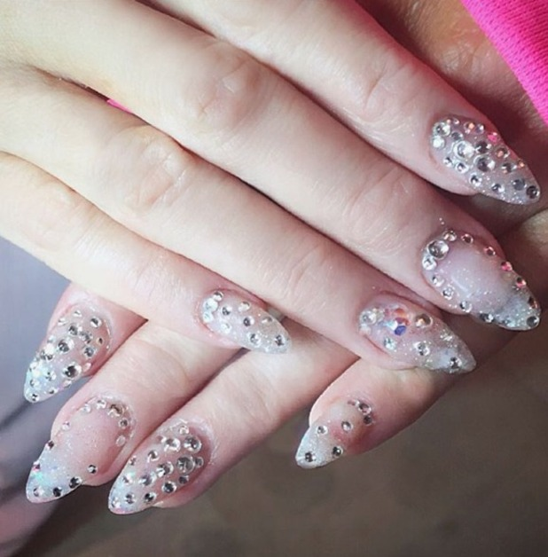 paris-hilton-diamond-nails-tendencia-unhas-2017