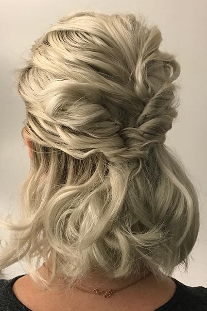 Marido faz penteados incríveis na sua esposa todo santo dia 7