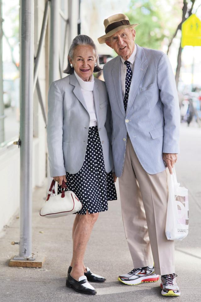 casais de idosos fashionistas 1
