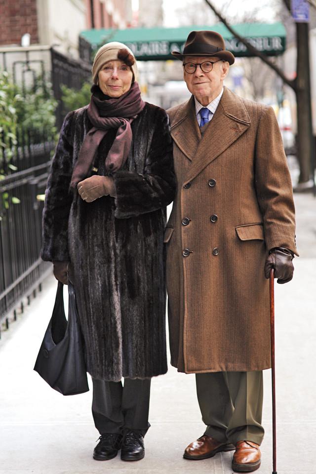 casais de idosos fashionistas