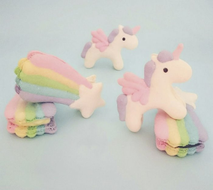 cute-unicorn-macarons-7-586e47332b24b__700