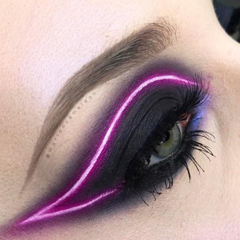 Maquiagem que imita luz neon 1