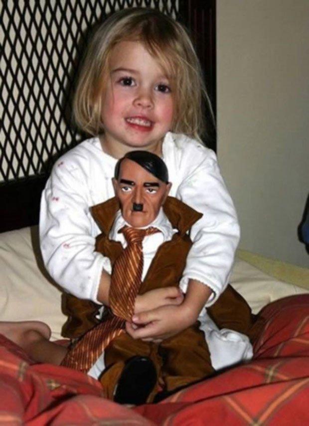 boneco do hitler