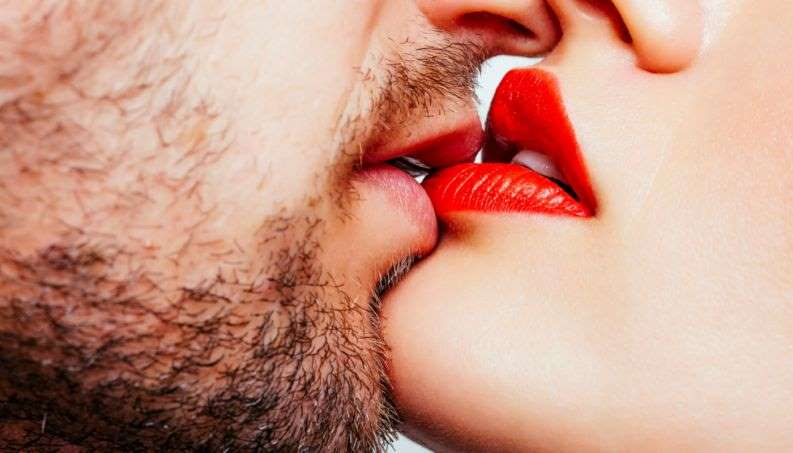casal beijo