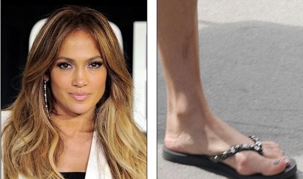 celebridades com pés fios Jennifer López