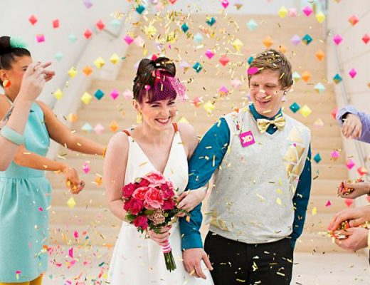 chuva de papel picado noivos