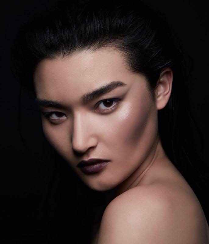 maquiagem-dark-com-blush-preto