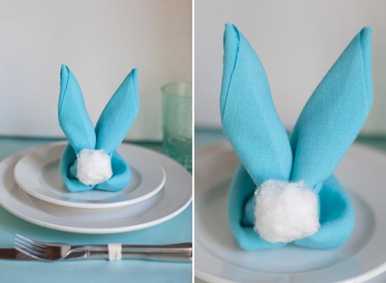 Decoração de Páscoa com guardanapos coelho