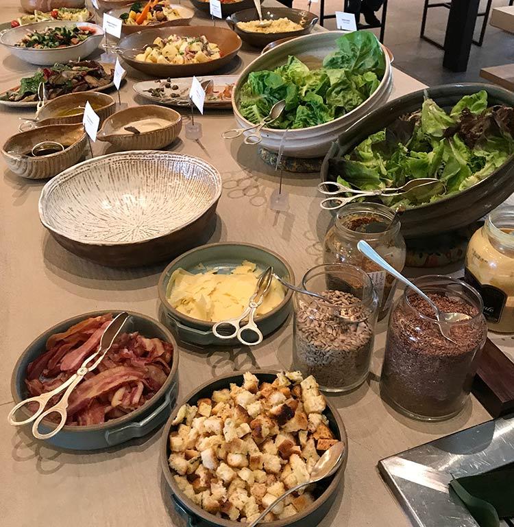 hyatt-brunch-saladas